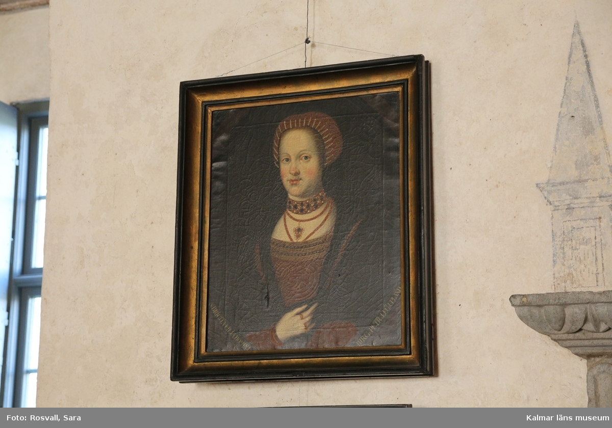 Porträtt av Birgitta Birgersdotter, Den heliga Birgitta, i 1500-tals dräkt. Midjebild, en face.
