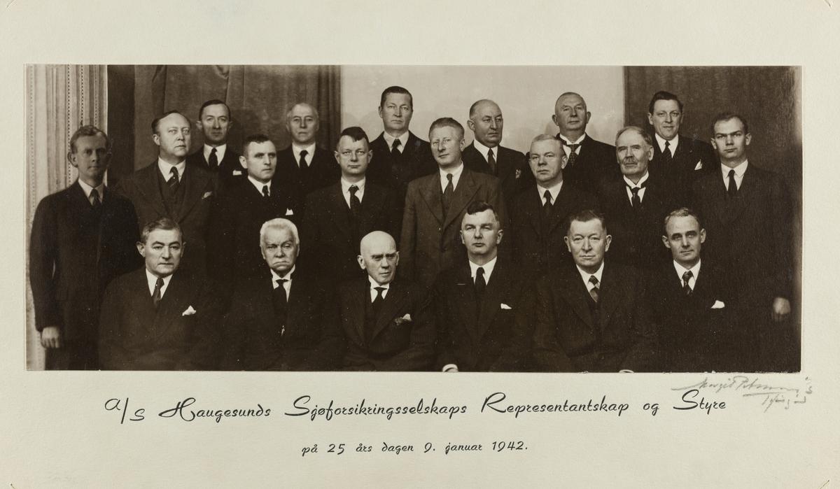 Gruppebilder - Haugesunds Sjøforsikringsselskaps Representantskap 1942