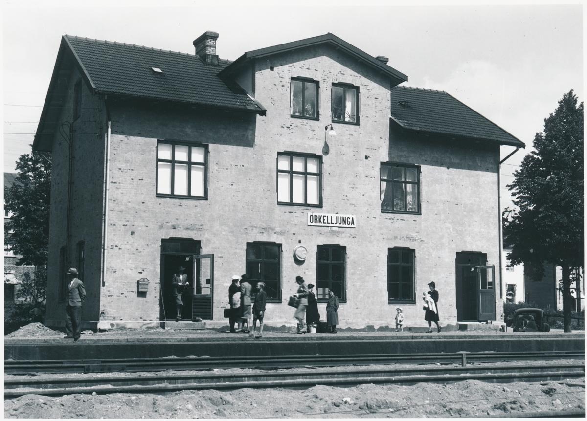 Örkelljunga station. Skåne-Smålands Järnväg, SSJ. Öppnad 1894. Övergick till Statens Järnvägar, SJ 1940. Persontrafiken nedlagd 1968.