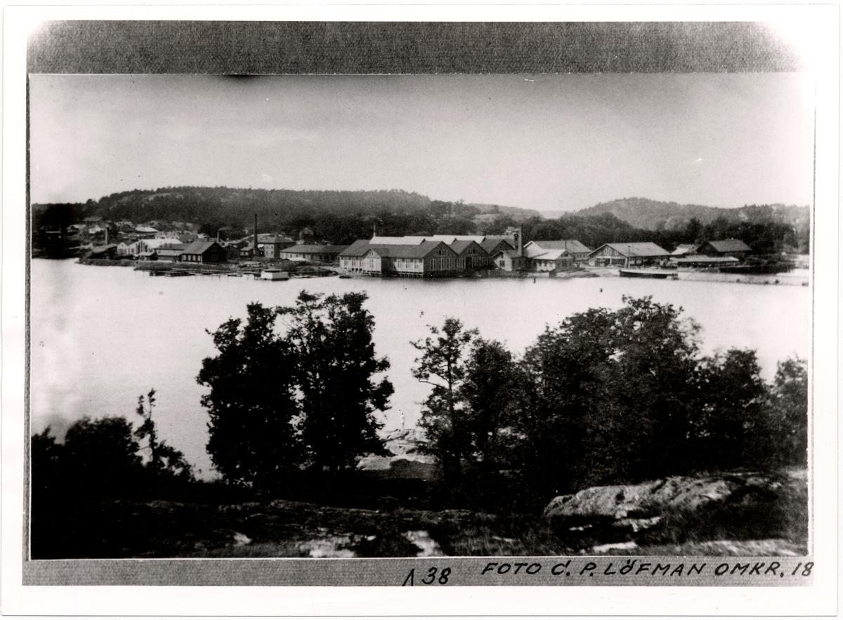 Utsikt från Tantolunden mot Liljeholmen. Till höger banken över Årstaviken