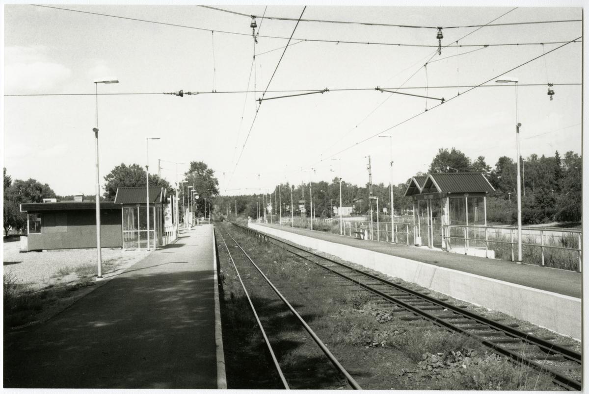 Hållplats Täby kyrkby.