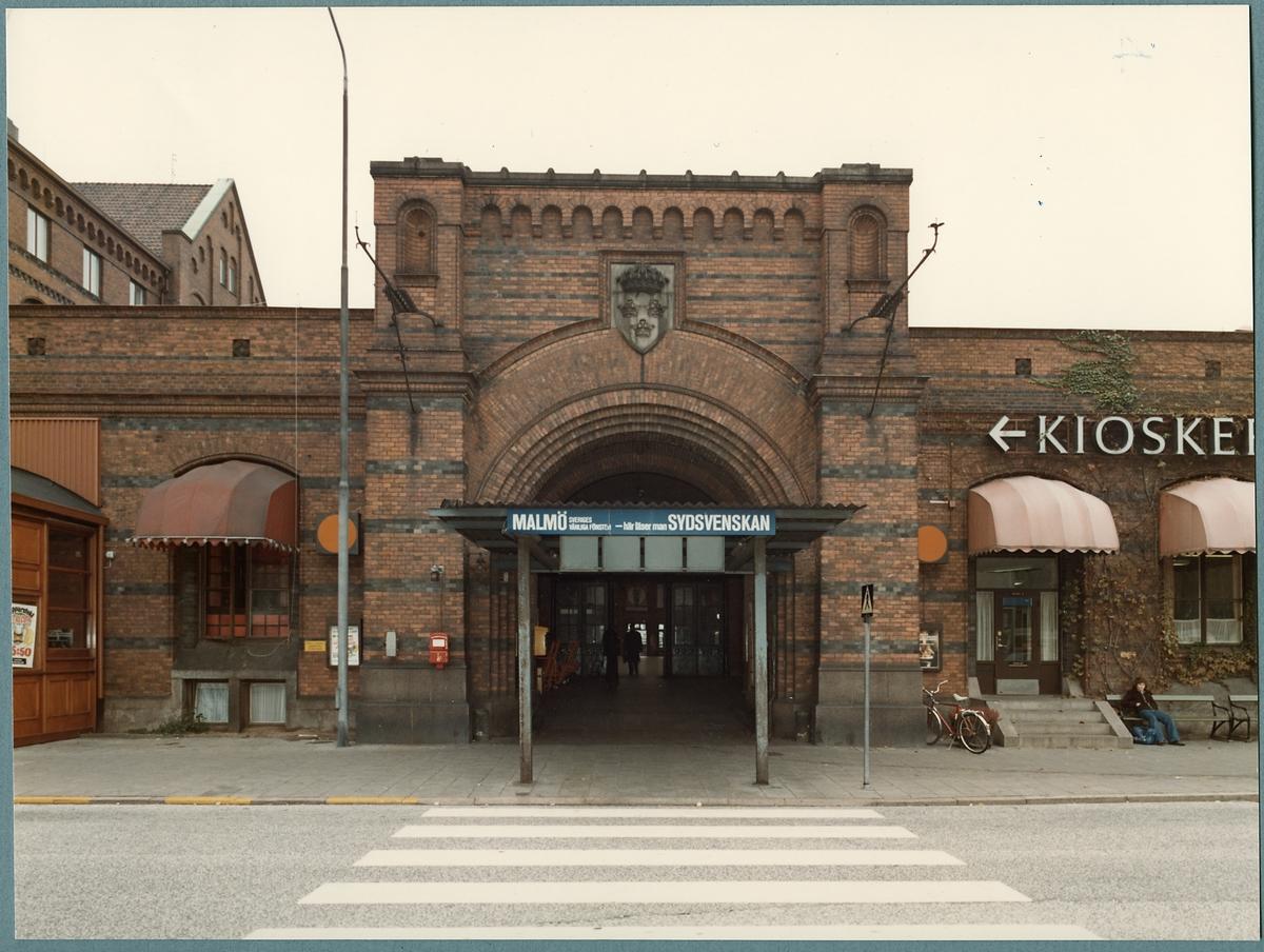 Malmö centralstation från gatusidan.