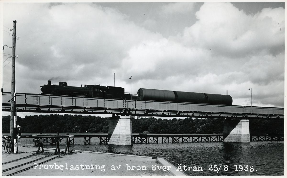 Statens Järnvägar, SJ B 1082. Provbelastning av den nya järnvägsbron.