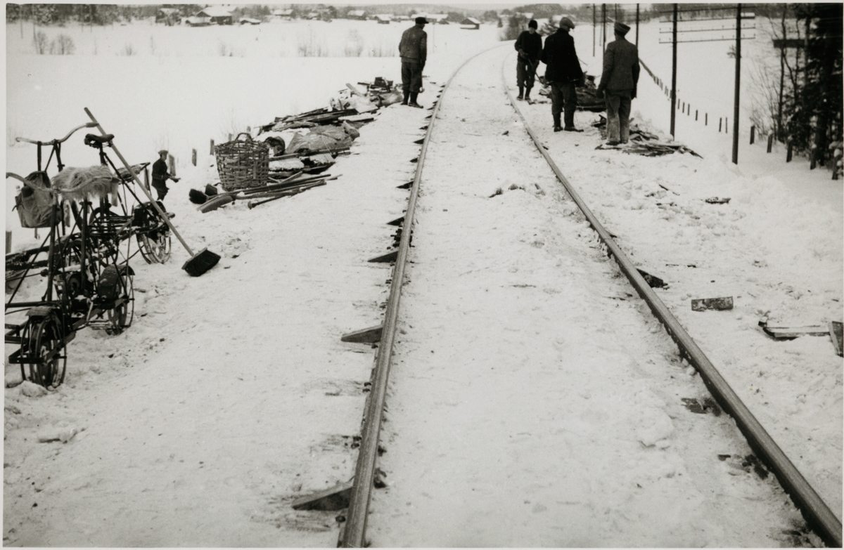 Vy av järnvägsspår efter olycka.