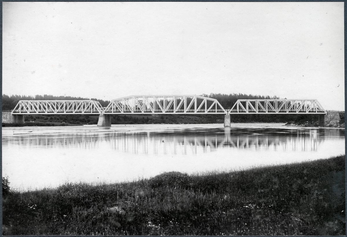 Bro över Kalix älv