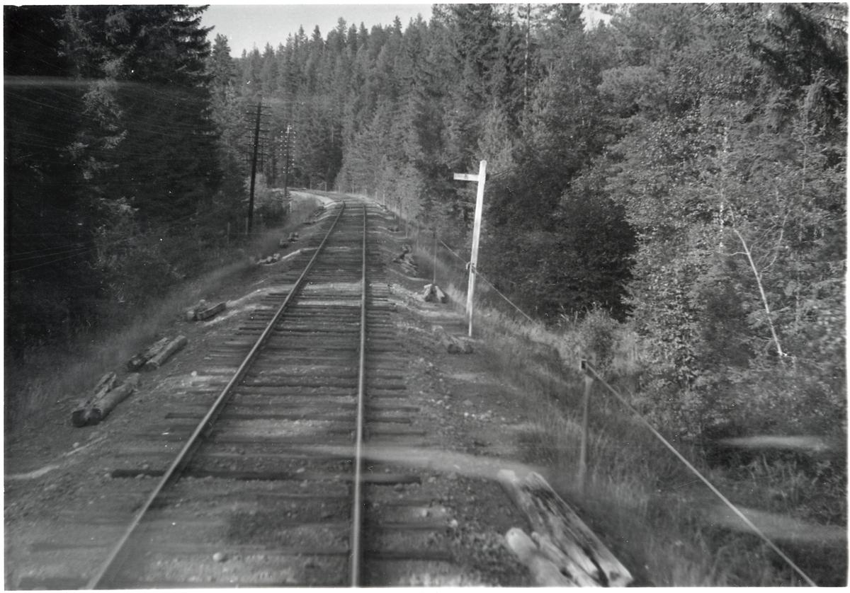 Vy över järnvägsspåret på sträckan mellan Oxberg - Blyberg.