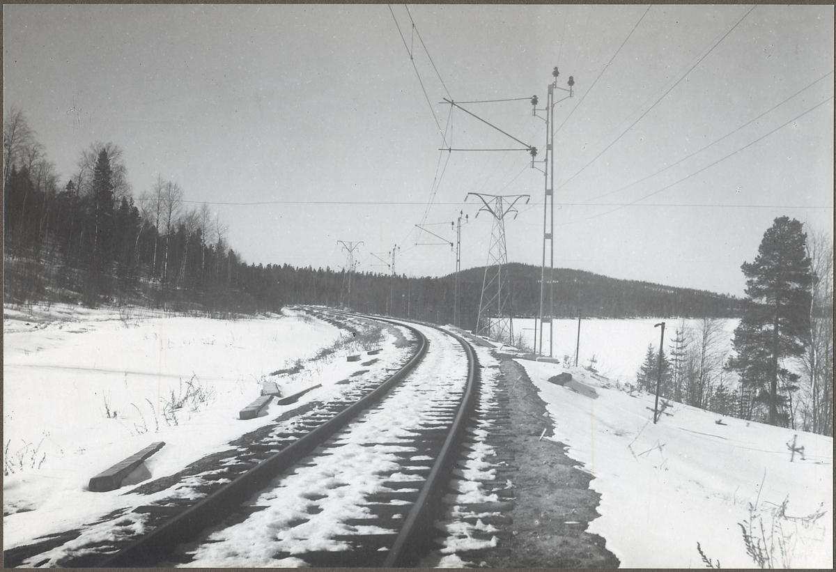Banledningarna någonstans på linjen mellan Gällivare och Svartön.