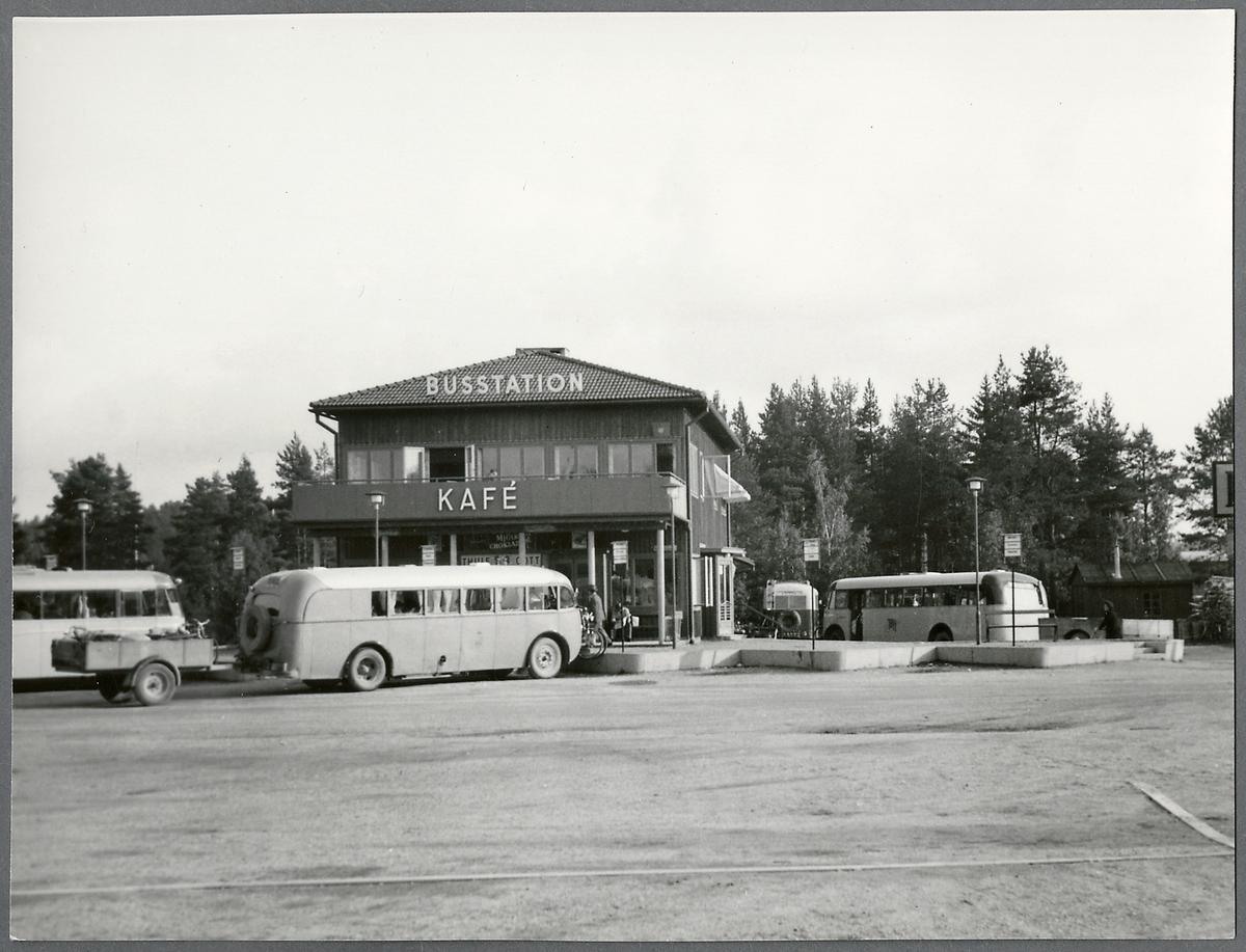 Busstation.