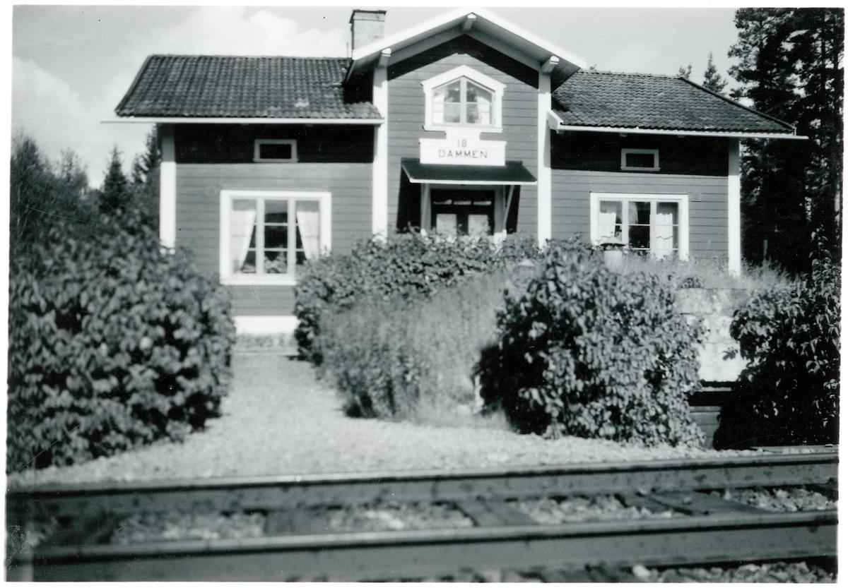 Banvaktstuga nummer 17, Dammen, på linjen mellan Fisklösen och Hosjö.