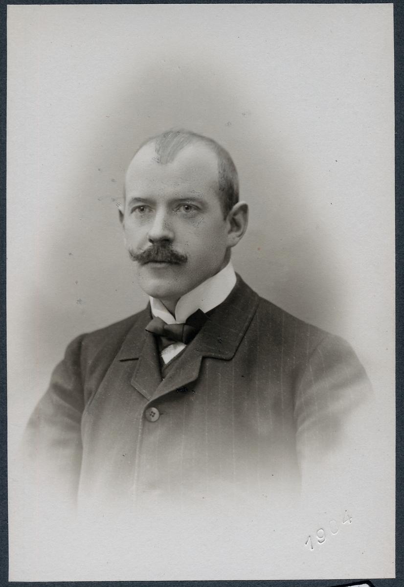 N Lilljequist, distriktskassör Luleå.