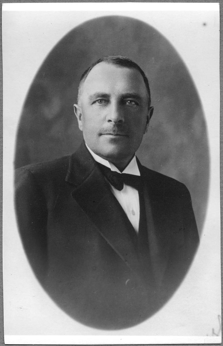 Carl Svensk, stins i Skänninge 1930-1935.