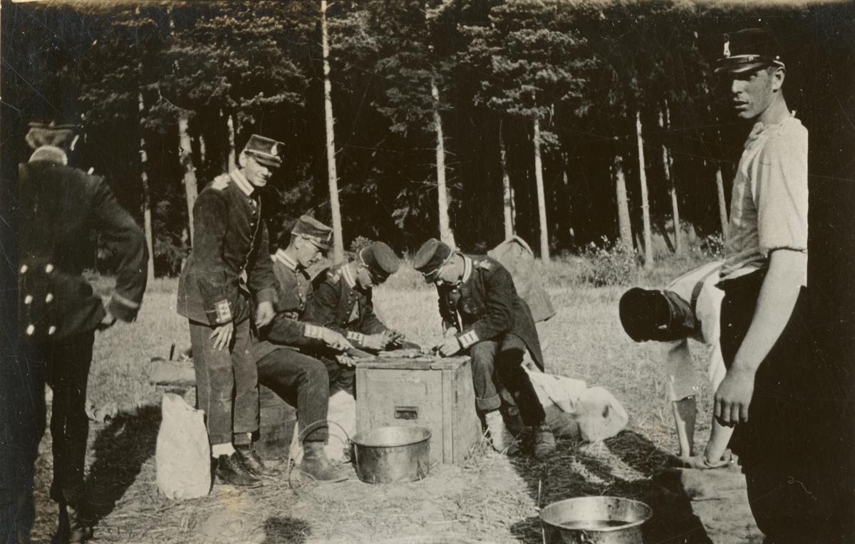 Matlagning på fält.