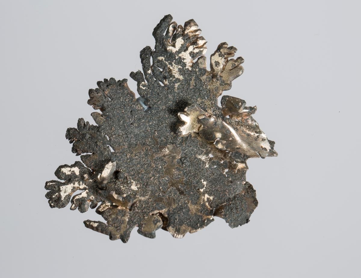 Platekrystall Vekt 10,31 g Størrelse: 4,4 x 4,4 x 0,7 cm