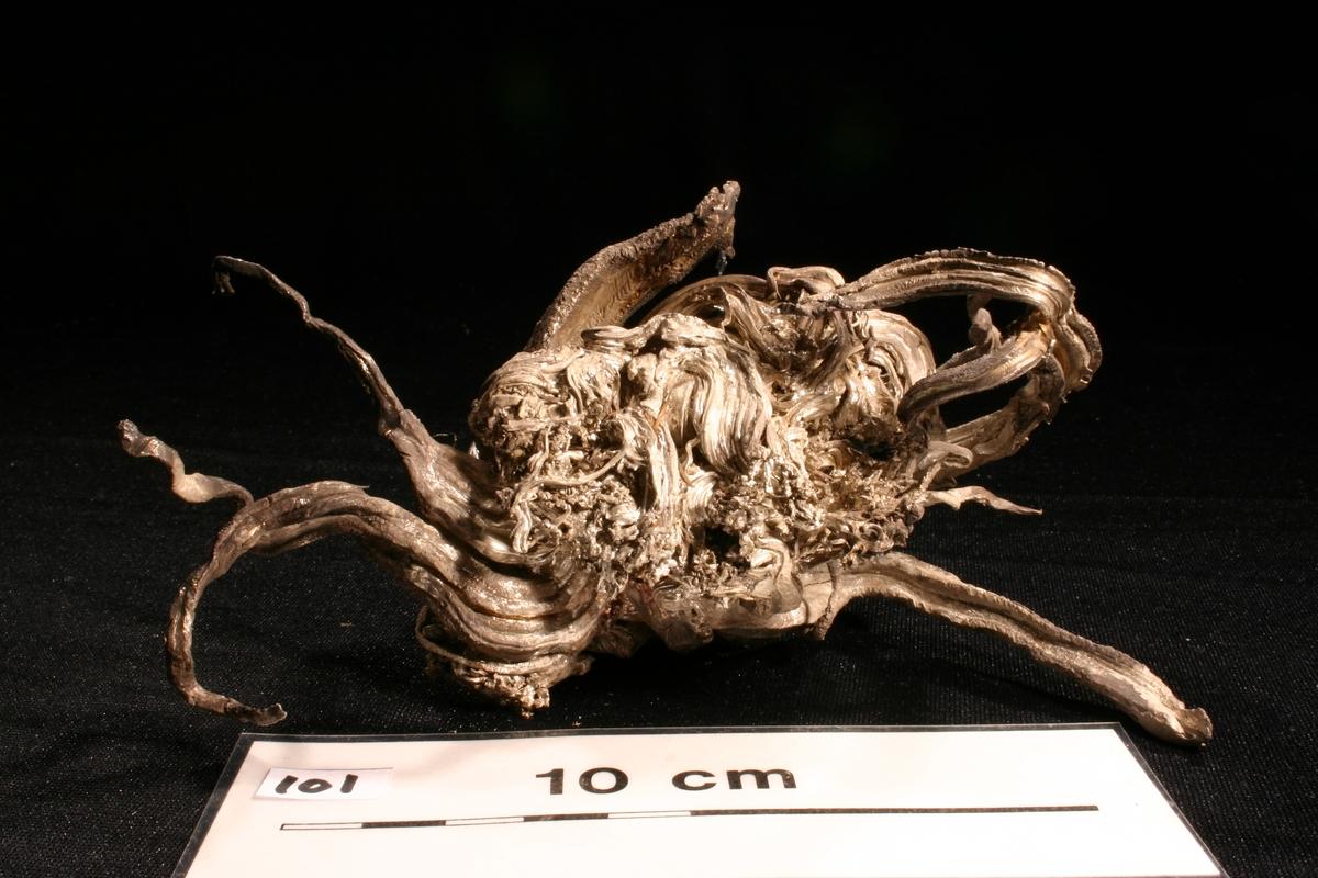 """""""Krabben"""" Vekt: 519,35 g Størrelse: 13 x 7 x 6,5 cm"""