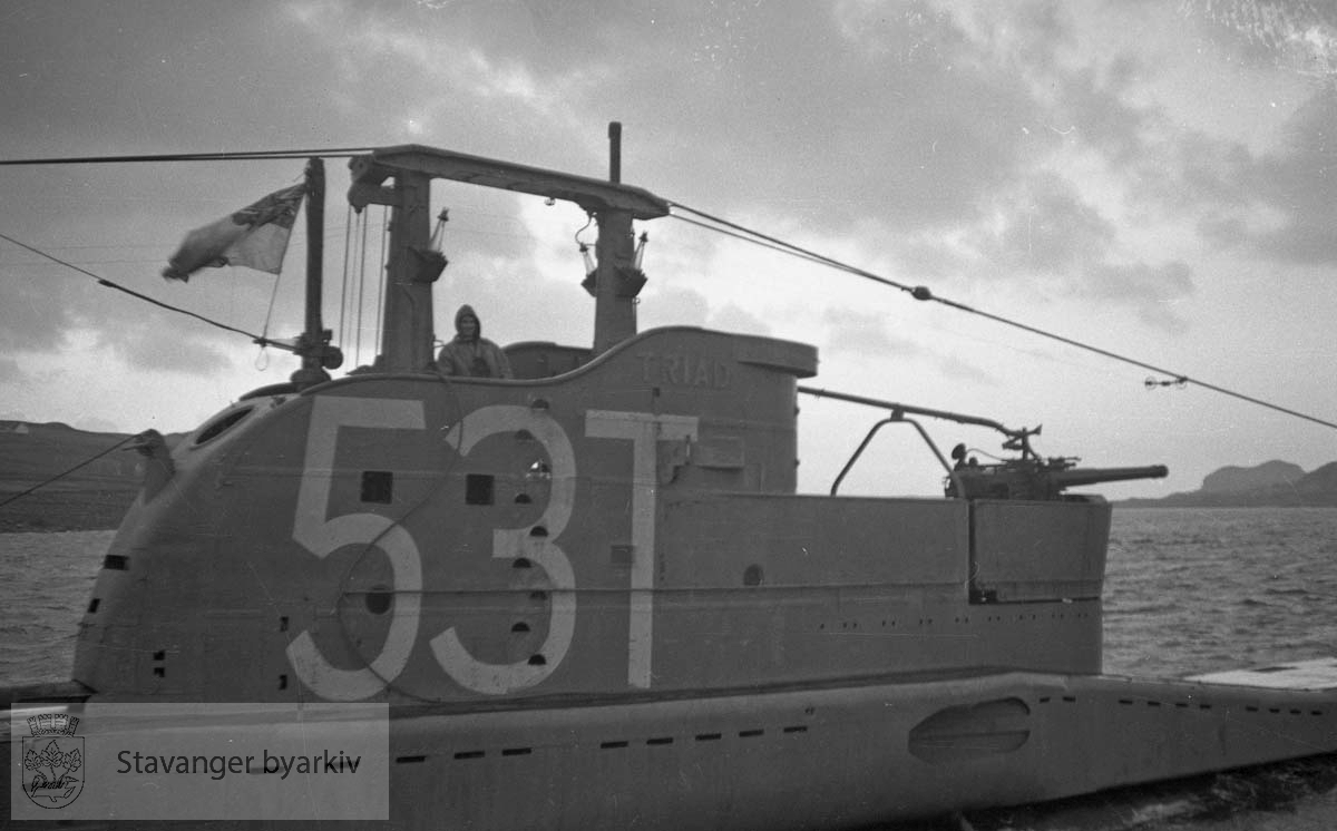 Engelsk U-båt (skadet)