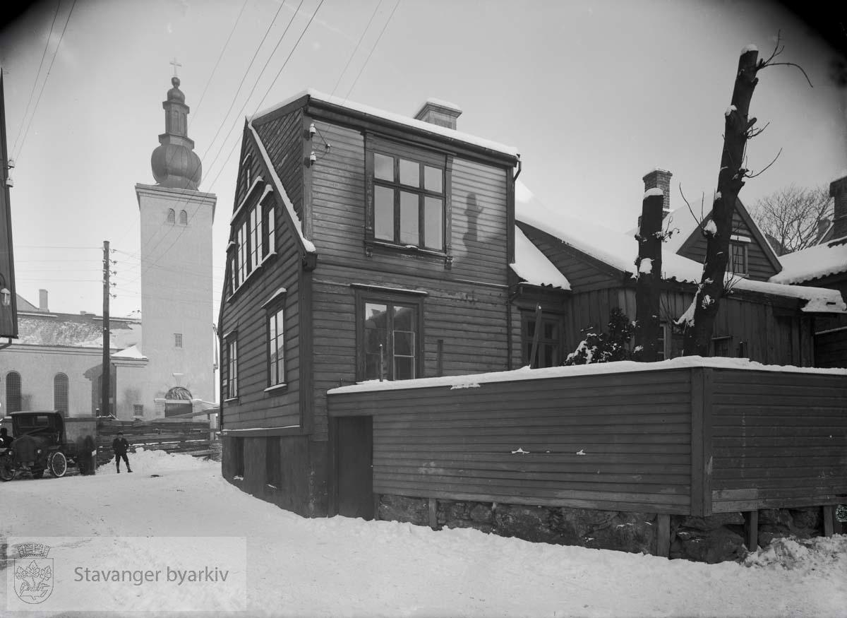 Metodistkirken, Waisenhusgt. 7. Til høyre Hetlandsgt. 25 før riving.