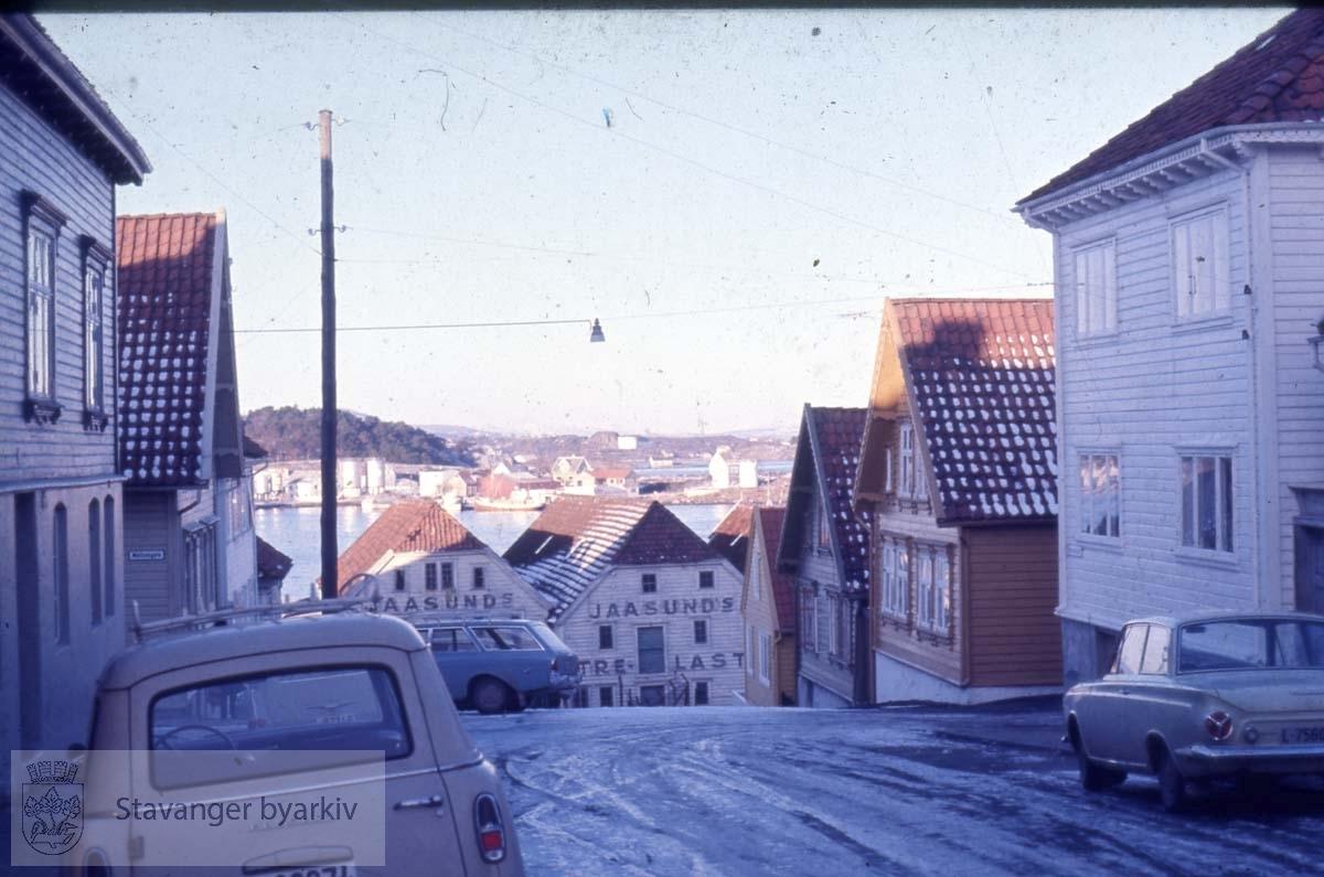 Normanns gate mot Mellomgata og Verksgata.Østre bydel.Jaasunds trelast rett fram