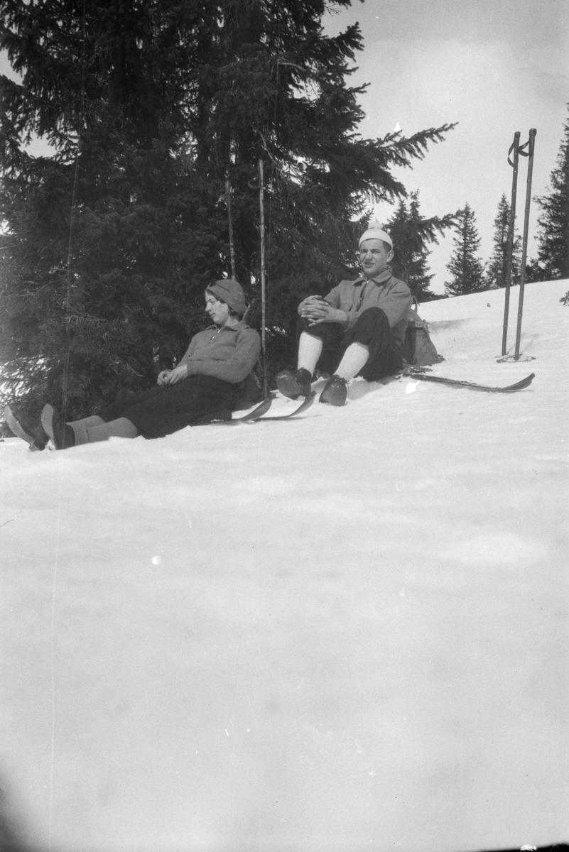 Aase og Bjarne Wold på påsketur