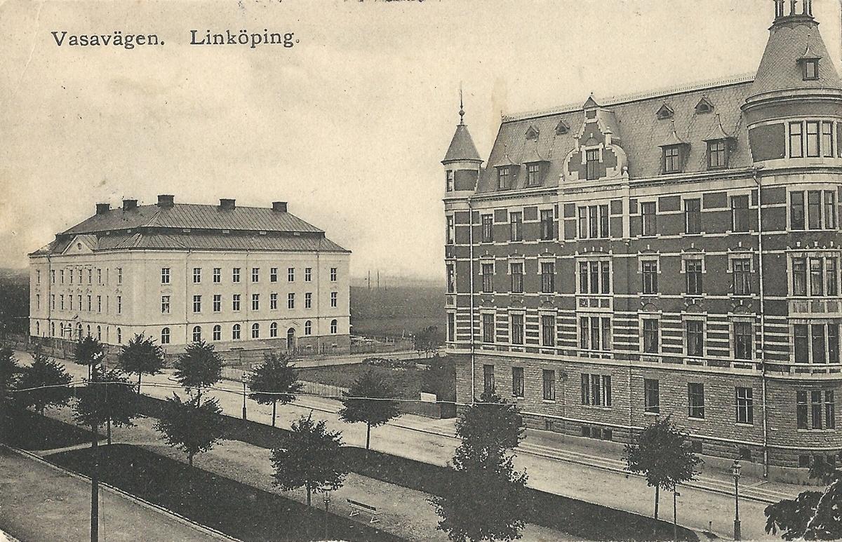 Vykort från  Linköping Miljonpalatset på Vasavägen. Vasavägen, Klostergatan , Östgöta Hypoteksförening, Poststämplat 9 april 1910 Anna Höglanders pappershandel