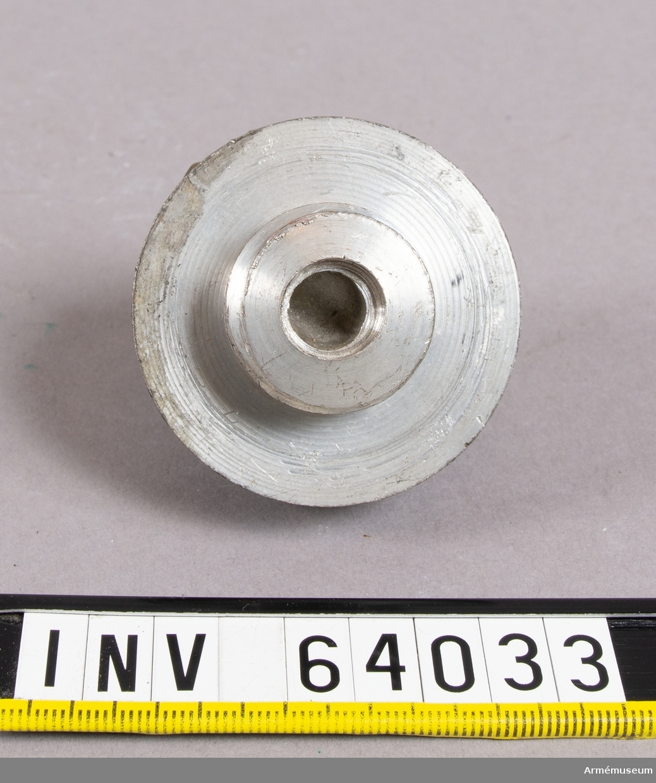 Grupp F II.  Till fältartilleriets 4-pundiga framladdningskanoner av 1862 års system.