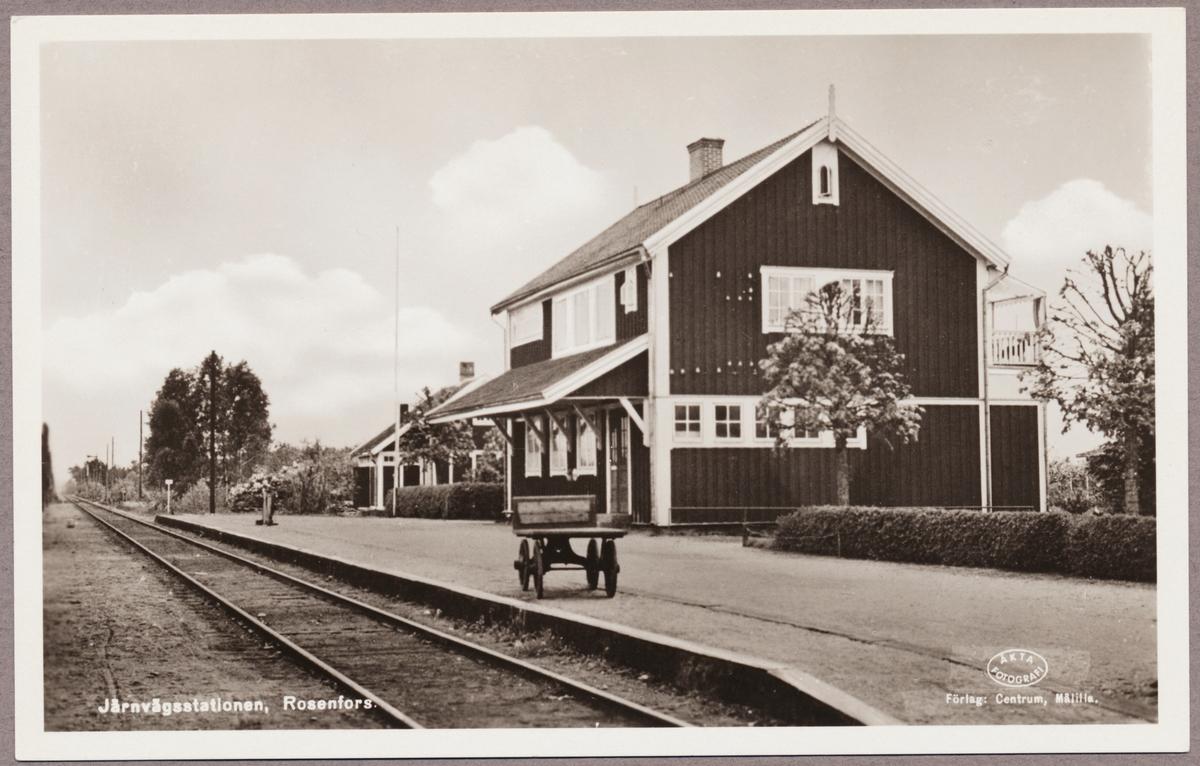 Rosenfors järnvägsstation.