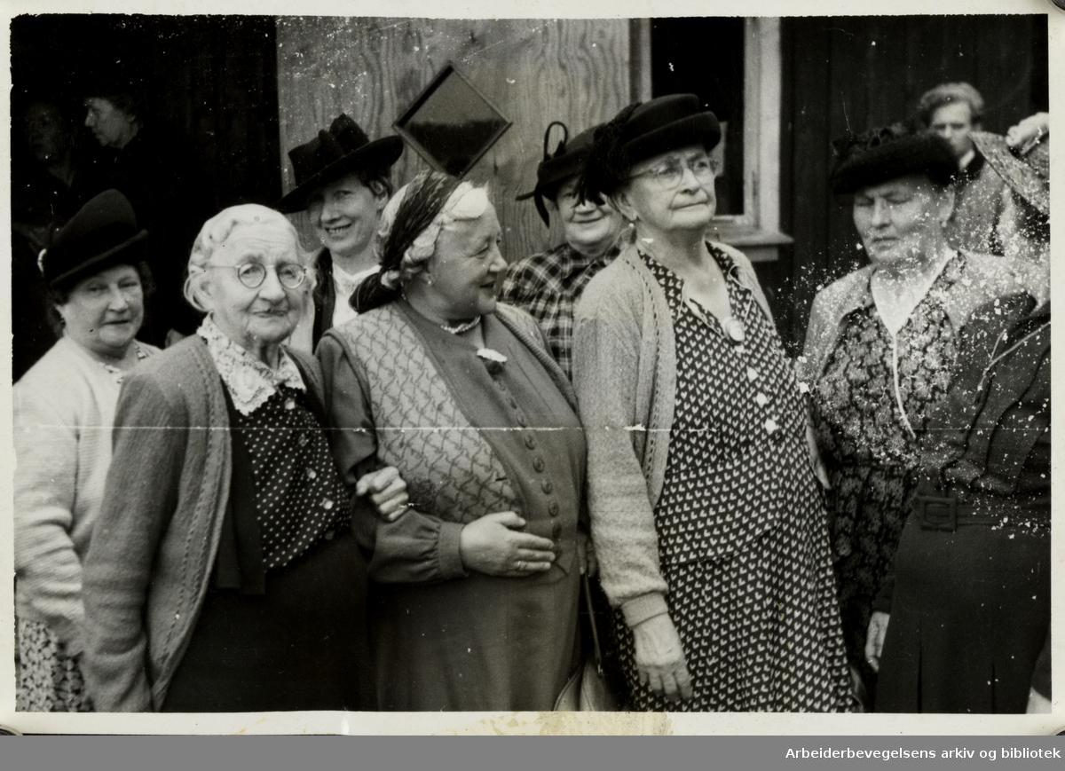 Oslo tobakkarbeideres forening, ferie og utflukt for pensjonister.