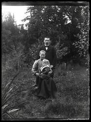 Tomte Carl med hustru Maria, Krusegården