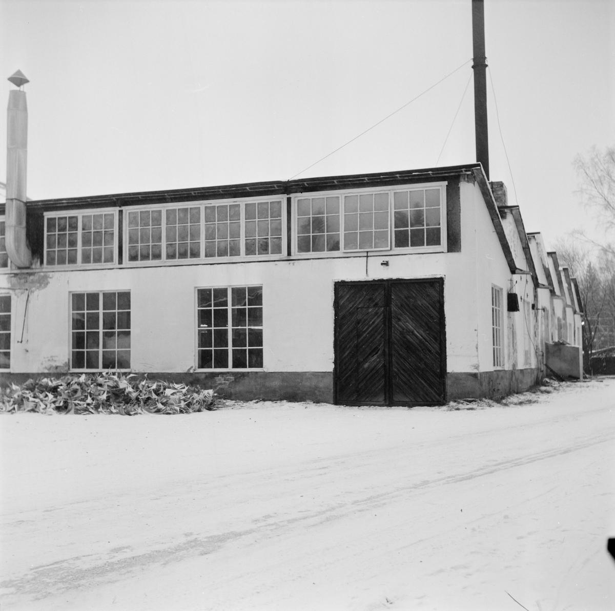 Skyddad verkstad, Tobo, Tegelsmora socken, Uppland, januari 1972