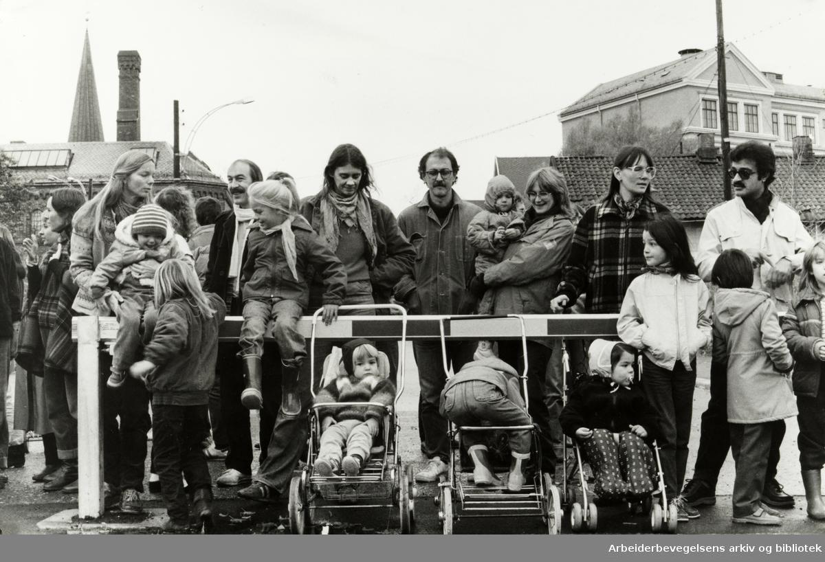 Kampen. Denne bommen må bli her permanent, mener folk som bor på Kampen. Oktober 1984