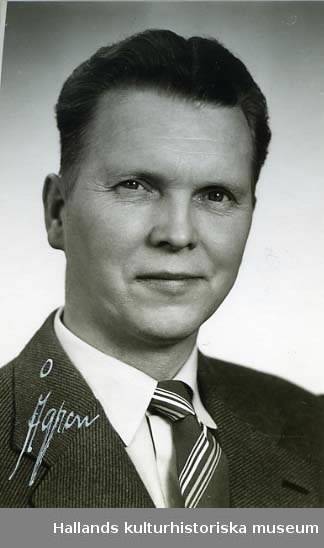 Mansporträtt av Ivar Anersson, restaurangschef vid Domus i Varberg.
