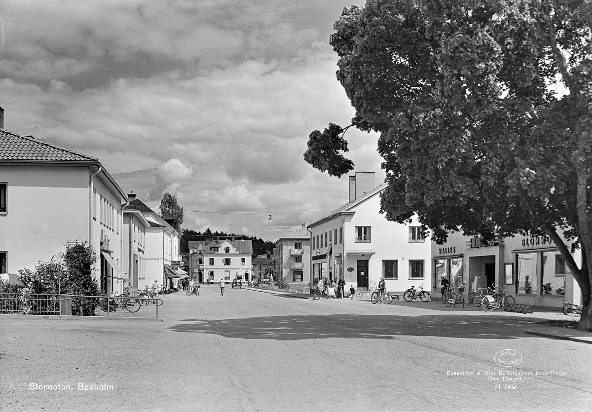 Parti av Storgatan i Boxholm. Året är 1949.