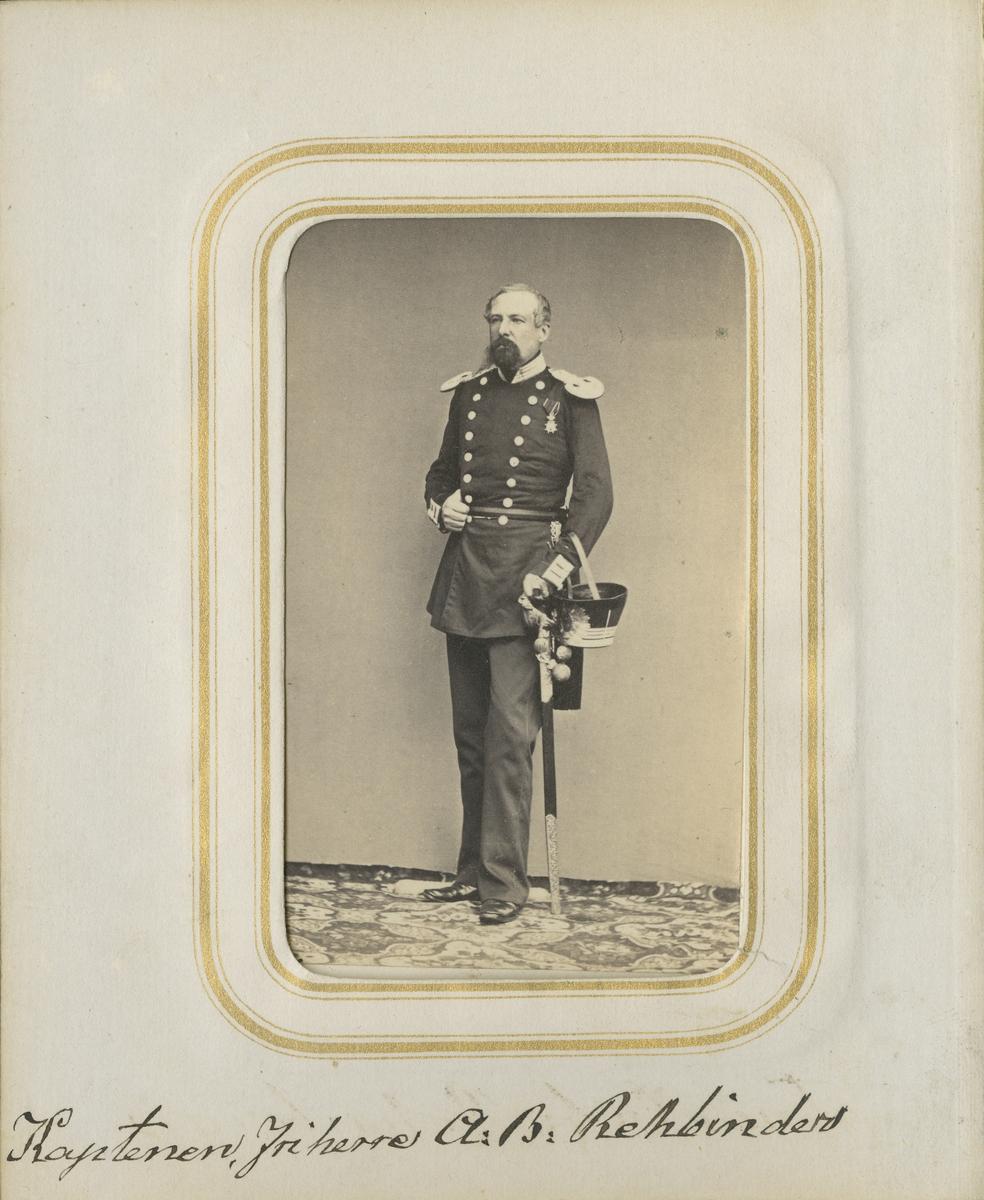 Porträtt av Arvid Bernhard Rehbinder, kapten vid Andra livgrenadjärregementet I 5.  Se även bild AMA.0001871 och AMA.0001955.