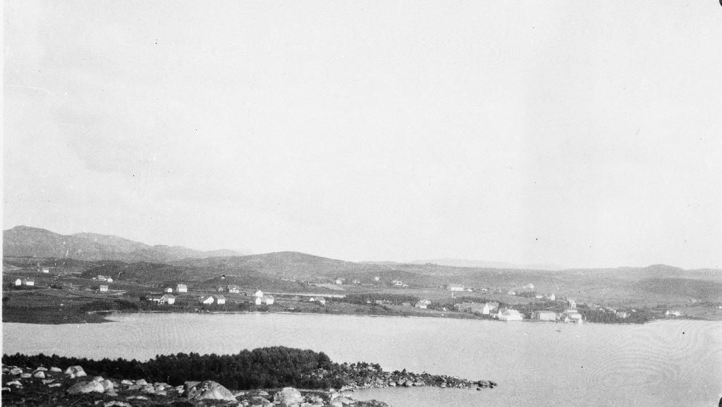 Utsyn mot Kvernaland/Frøyland frå Klepp-sida av Frøylandsvatnet.