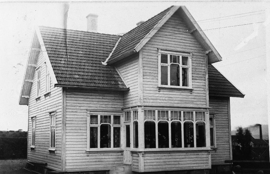 Våningshuset til Ingolf Time i Meierigata. Sjå også 1990.1TIM.49.001