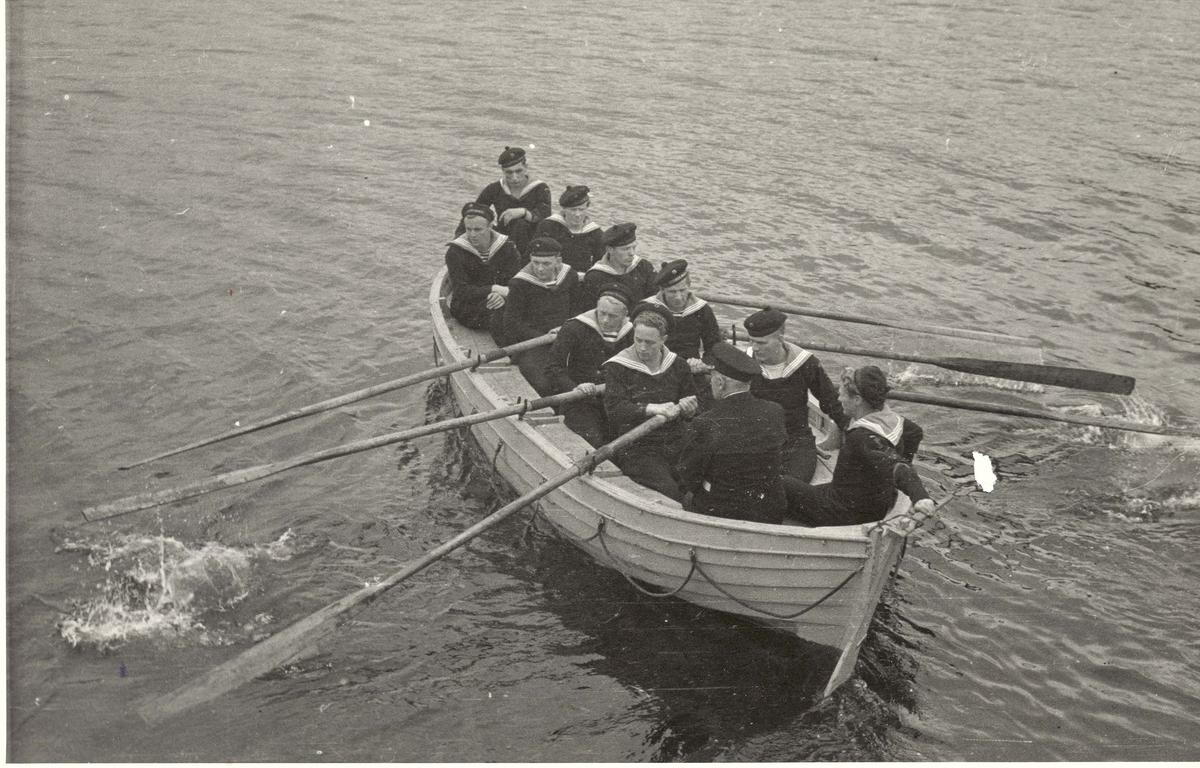 """ Camp Norway"", Lunneburg, Nova Scotia. Roøvelser ved skolen"