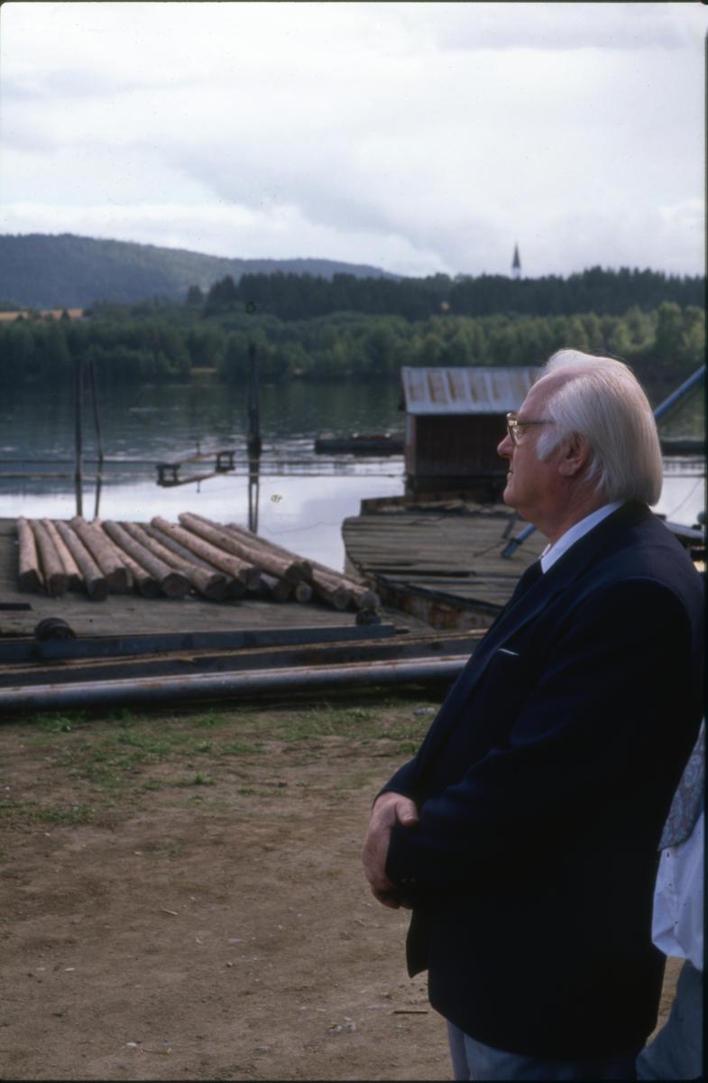 En stolt Harry Kvebæk (1925-2012) på åpningsdagen. Foto: Per Emil Berg