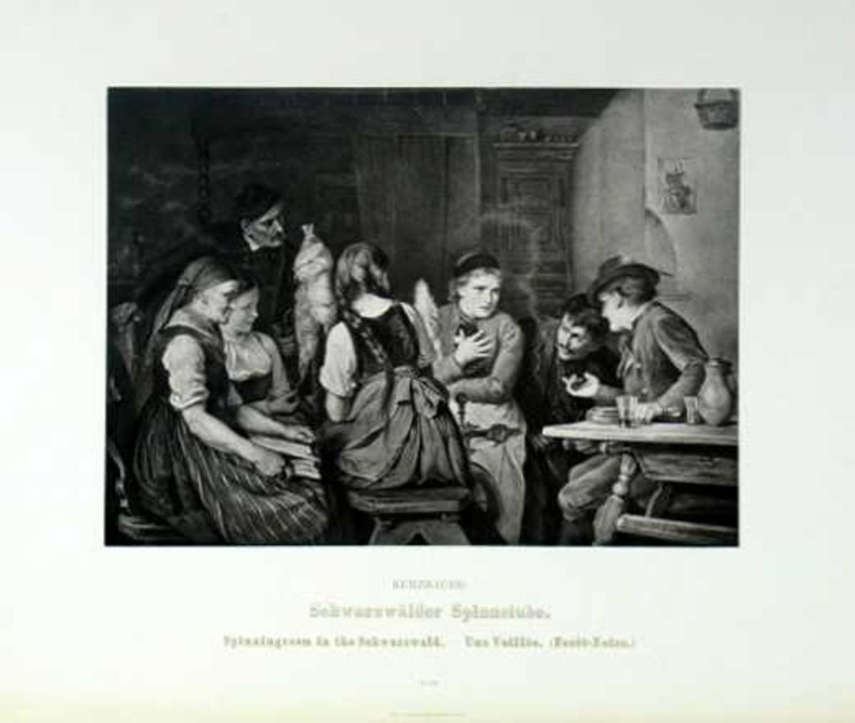 Motiv fra en spinnestue; to menn til høyre ved et bord, tre unge jenter rundt rokken, en eldre kvinne med bok til venstre, en mann stående bak.