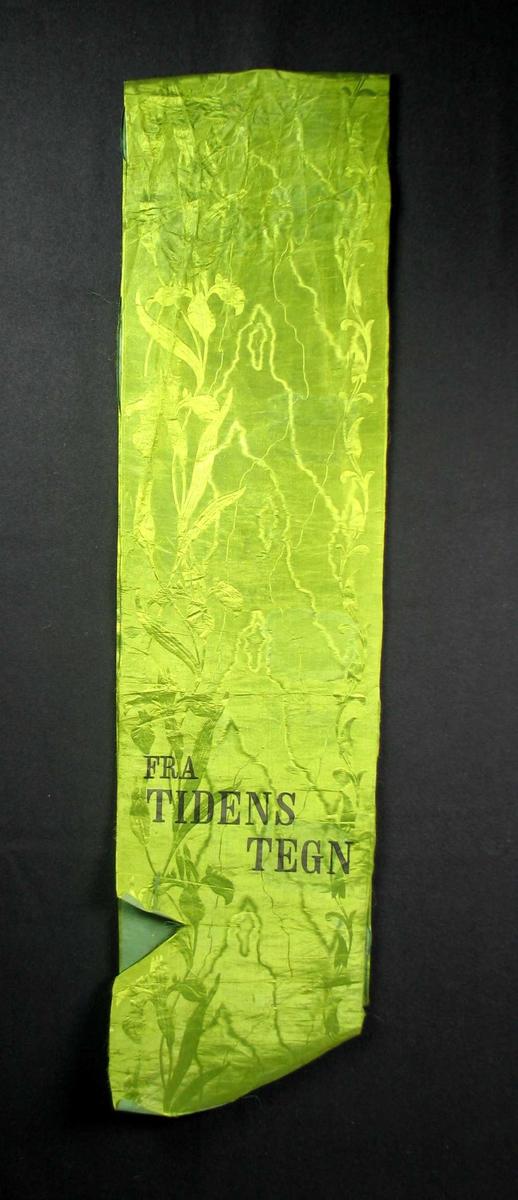 Begravelsessløyfe i lys grønn silke.