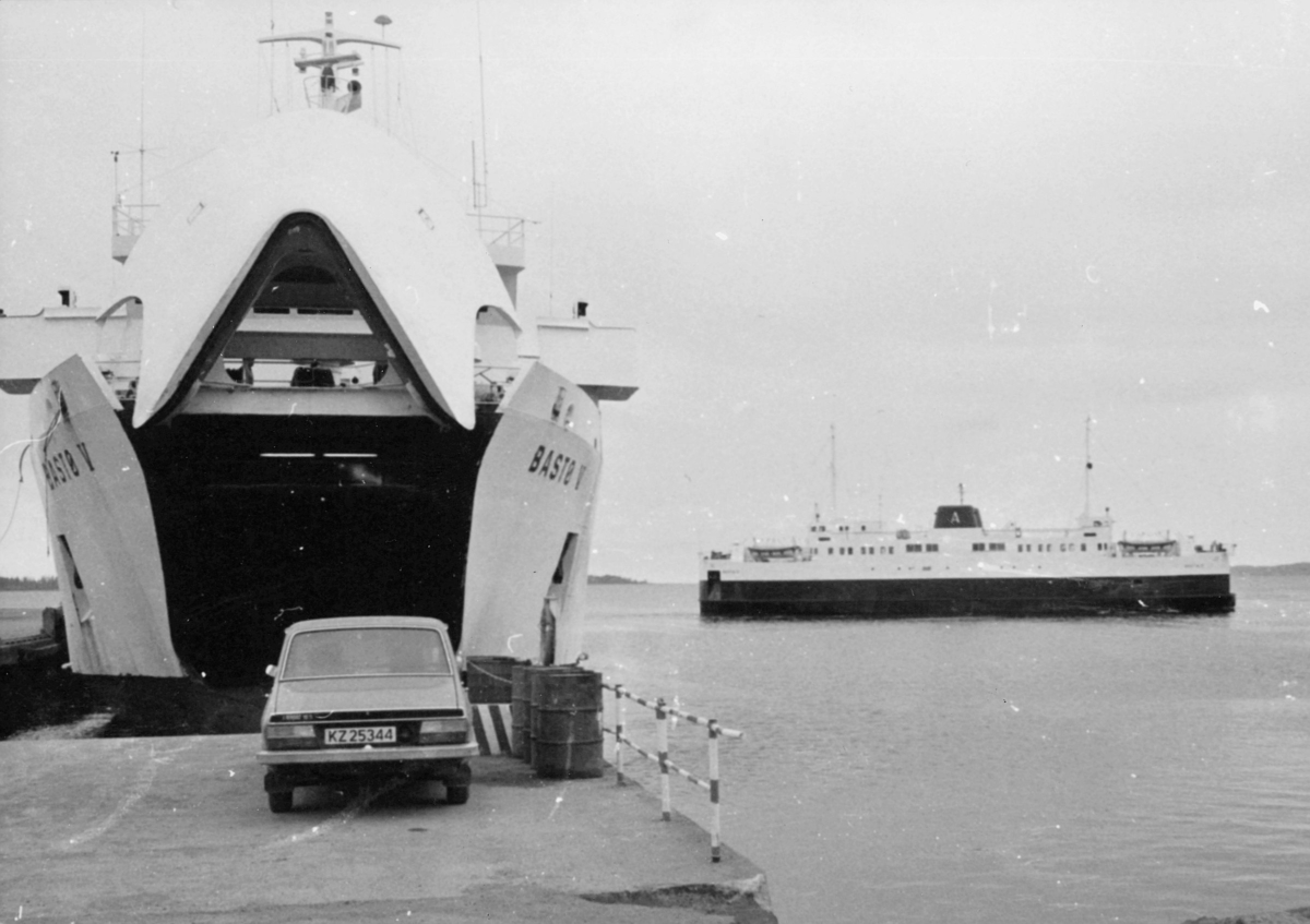 transport, båt, Bastø ferja, Horten, ved kai