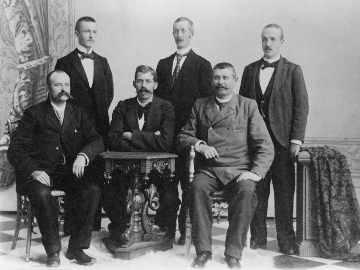 gruppebilde, Søpostkontor no. 2, ruten Kristiansand - Fredrikshavn i 1899, personale