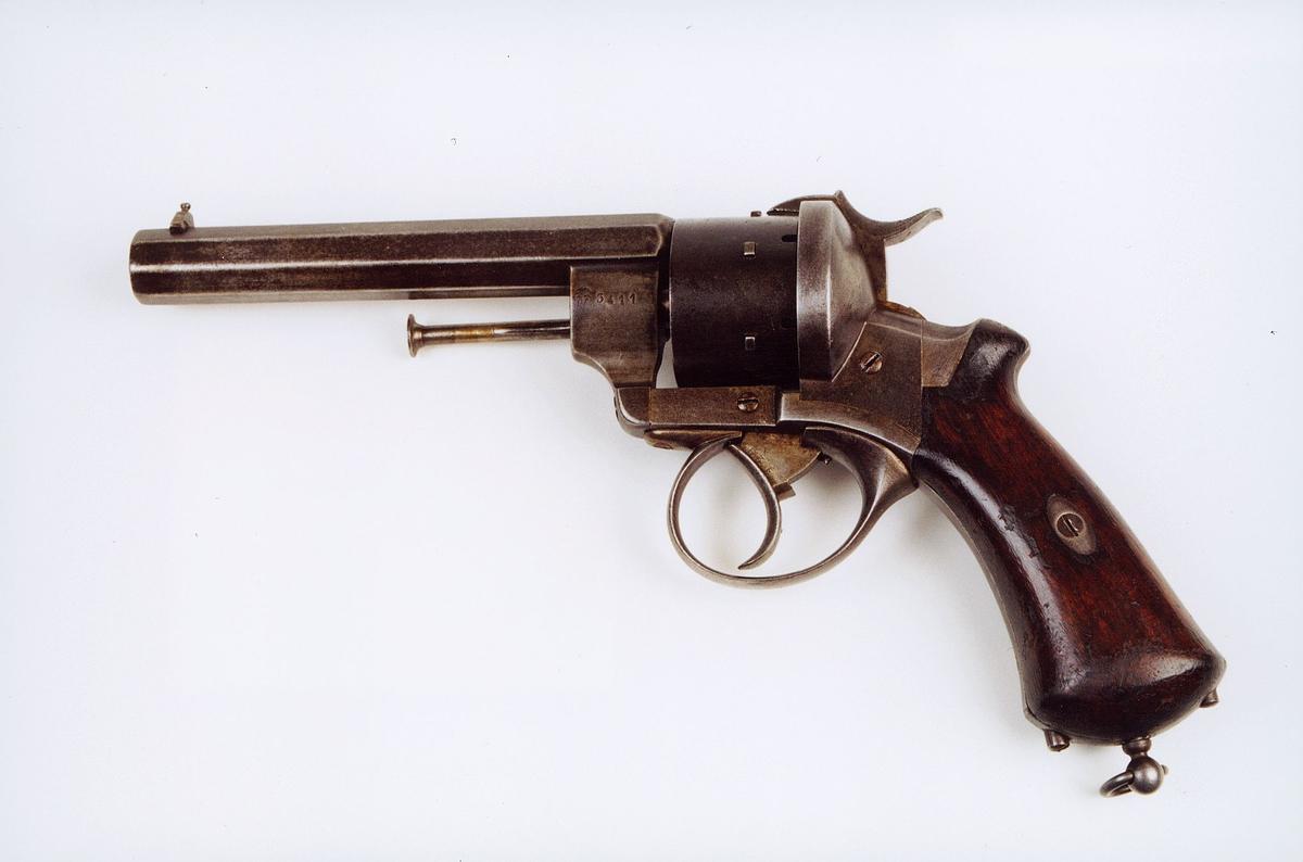 postmuseet, gjenstander, våpen, revolver, selvspennende revolver 10,9 mm