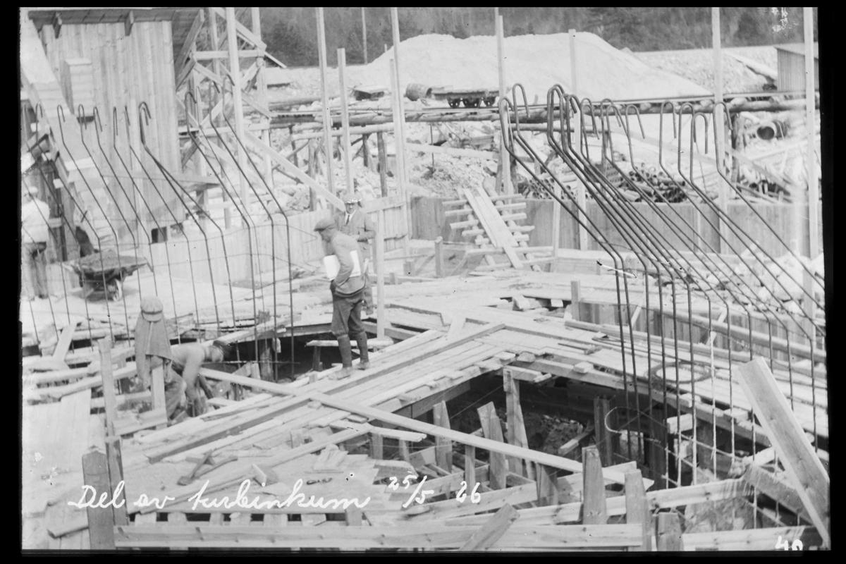 Arendal Fossekompani i begynnelsen av 1900-tallet CD merket 0469, Bilde: 5 Sted: Flaten Beskrivelse: Turbinkum