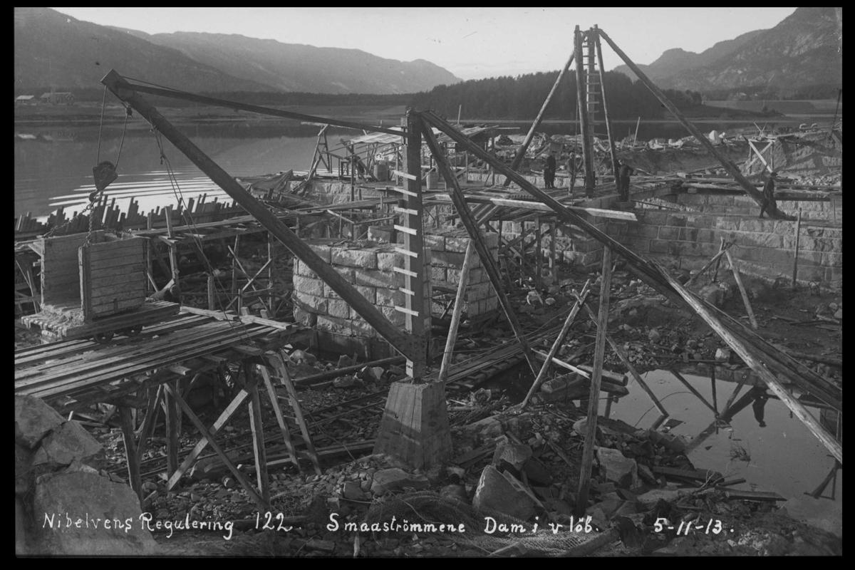 Arendal Fossekompani i begynnelsen av 1900-tallet CD merket 0565, Bilde: 36 Sted: Elva Beskrivelse: Regulering Småstraumene