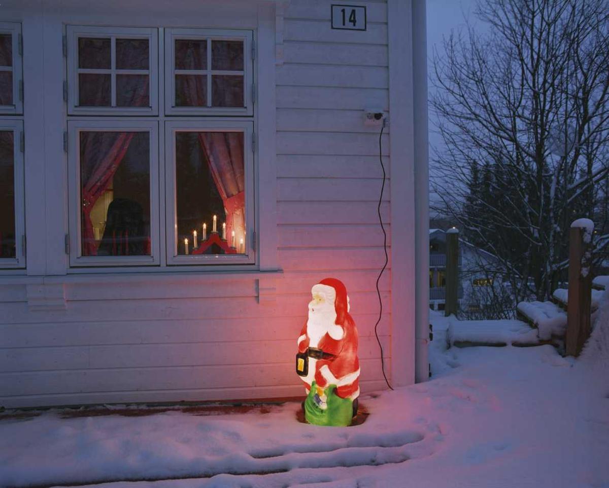 Julebelysning  Lysende nisse ved enebolig