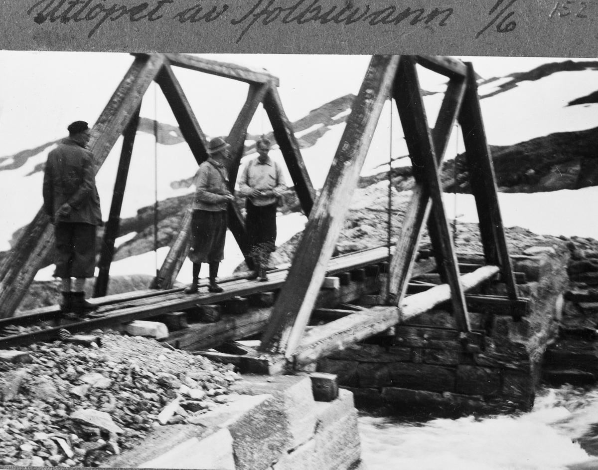 Bro på Aurabanen over Reinvasselv.