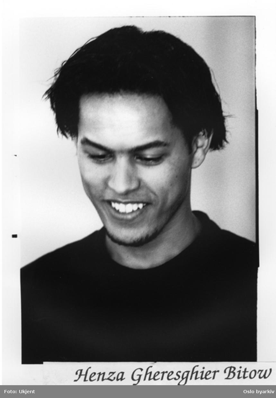 Portrait av Henza Gheresghier Bitow.Kontakt Nordic Black Theatre ved ev. bestilling av kopier.