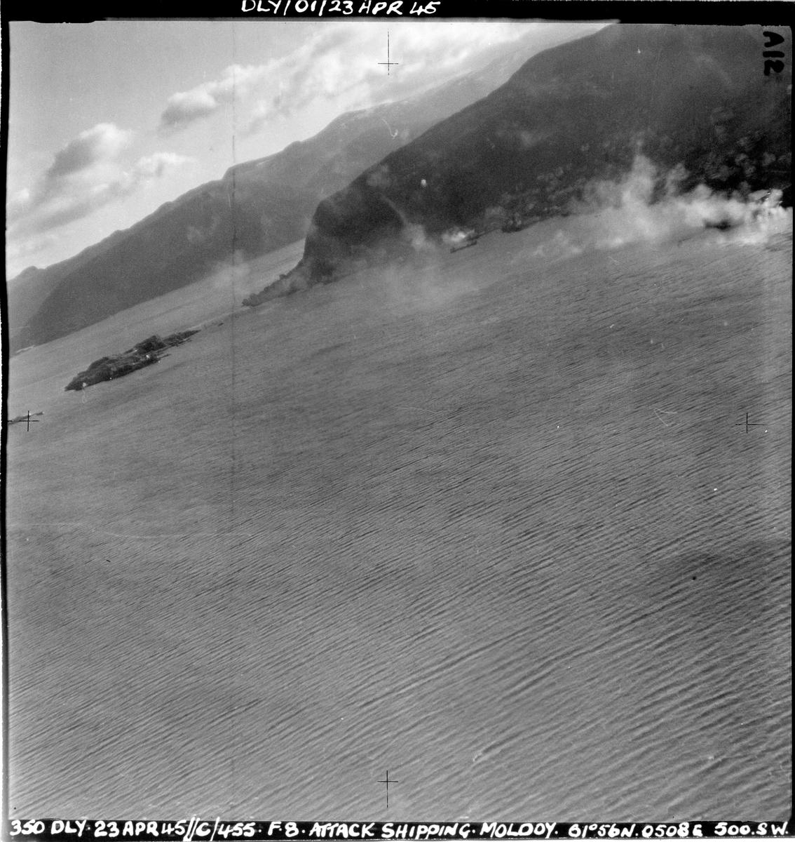 455 skvadronen angriper fiendtlige skip ved Måløy, 23. april 1945.