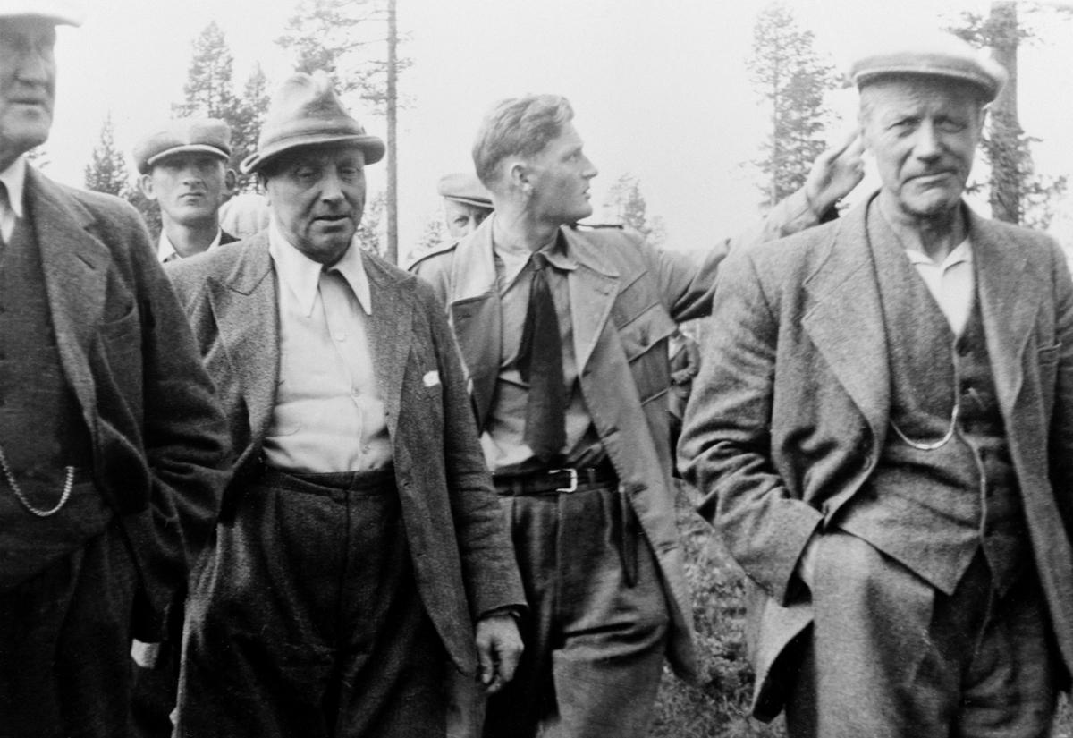 Bruksrettbefaring, Gunnar Berg, Jon Hulleberg, Knut Solberg, Knud Maartmann, Kr. Solberg, Ringsaker Almenning.