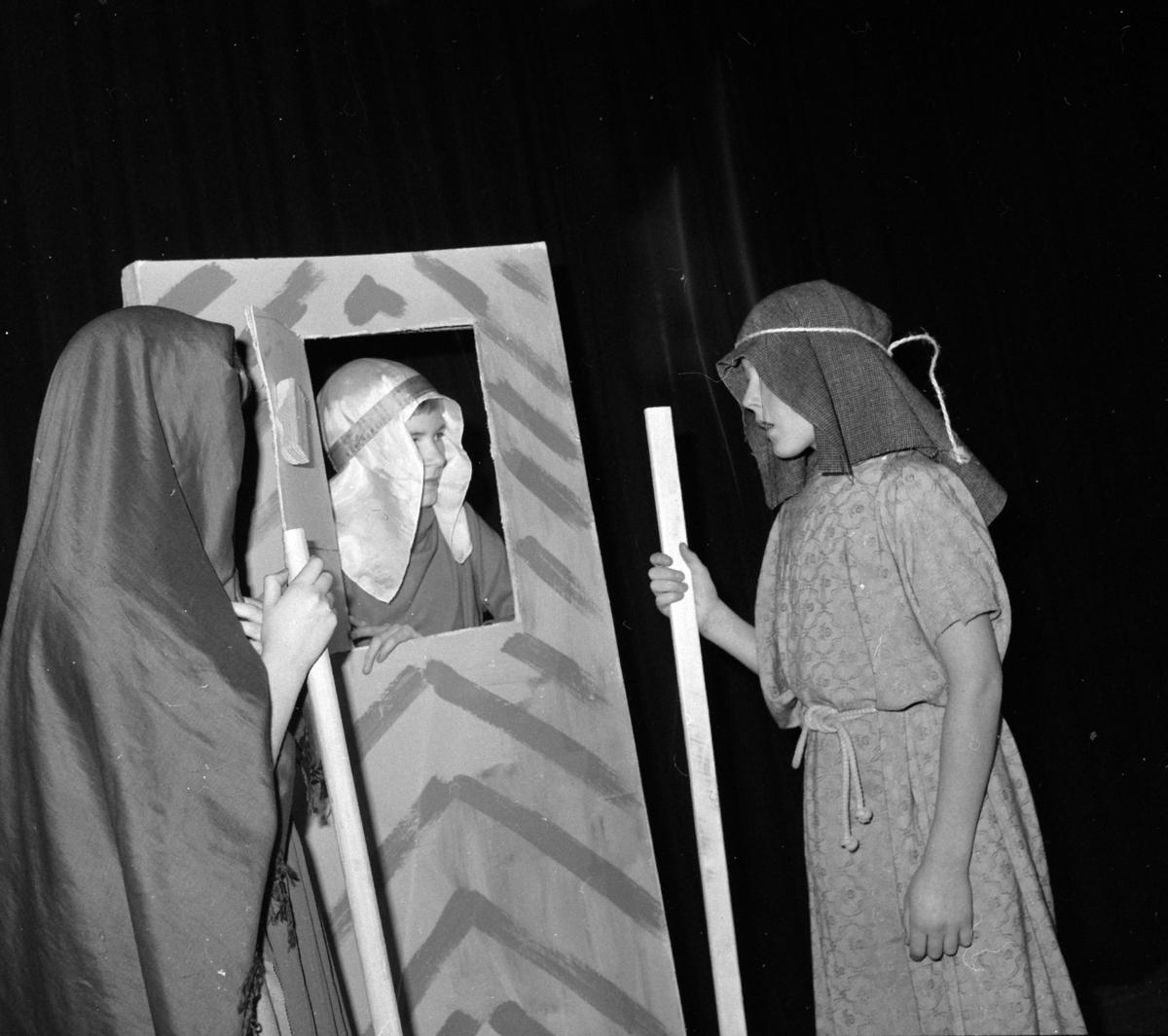 TEATERSTYKKE, SKUESPILL, JULEEVANGELIET, JULESPILL, UKJENTE AKTØRER, 1964?