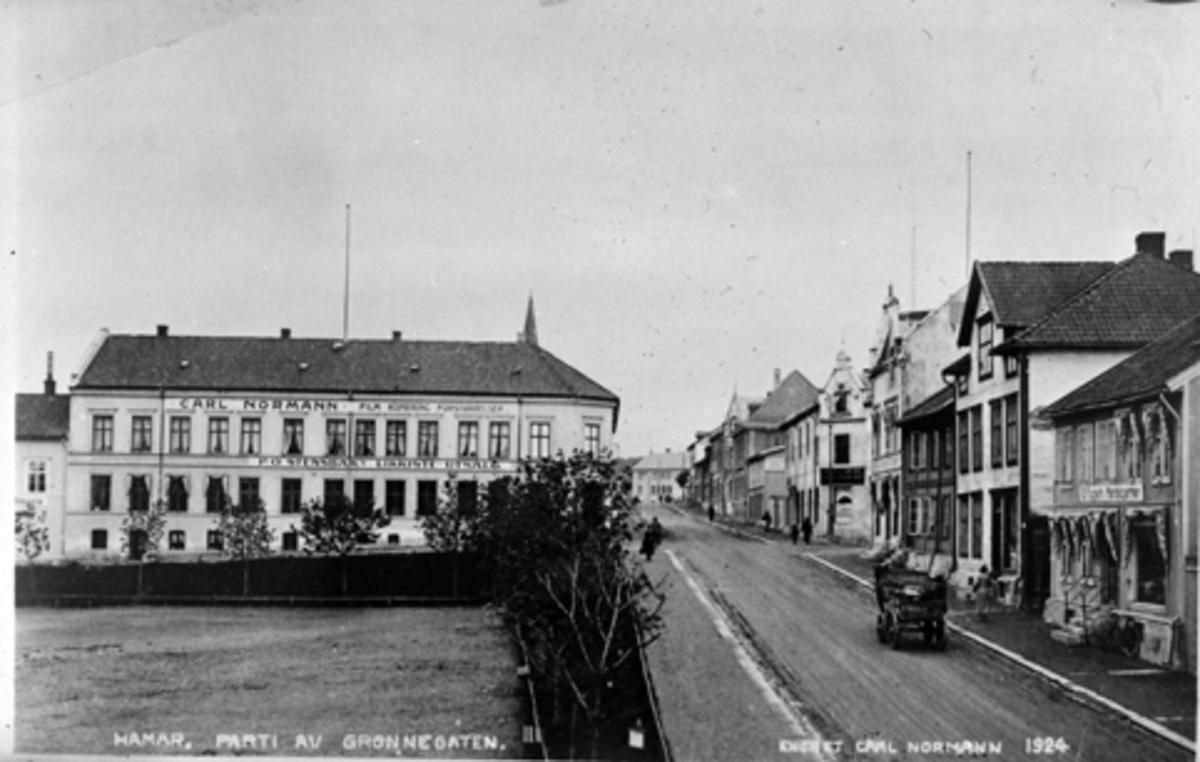 ØSTRE TORG, GRØNNEGATA, HAMAR, POSTKORT. 1924